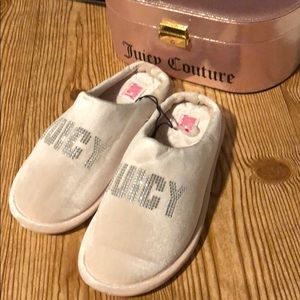 NWOT Juicy Couture Pink Slippers Size Small